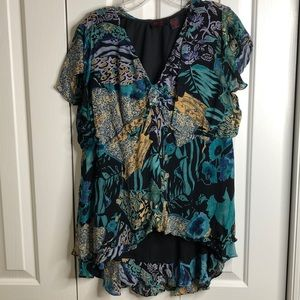 3/$15 Rouge size 3X pretty colorful hi- low blouse